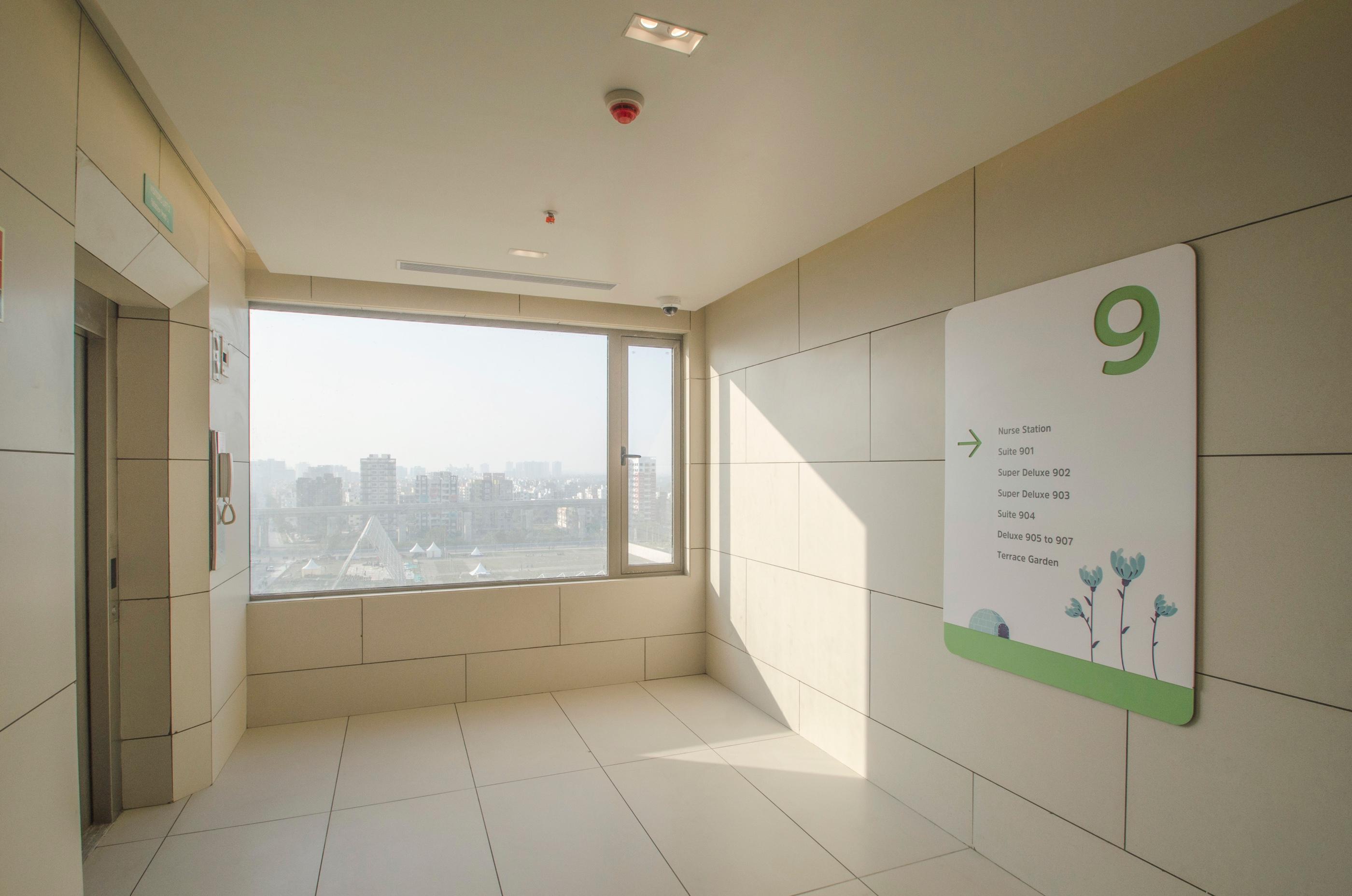 9th-floor-visitors-lift-area