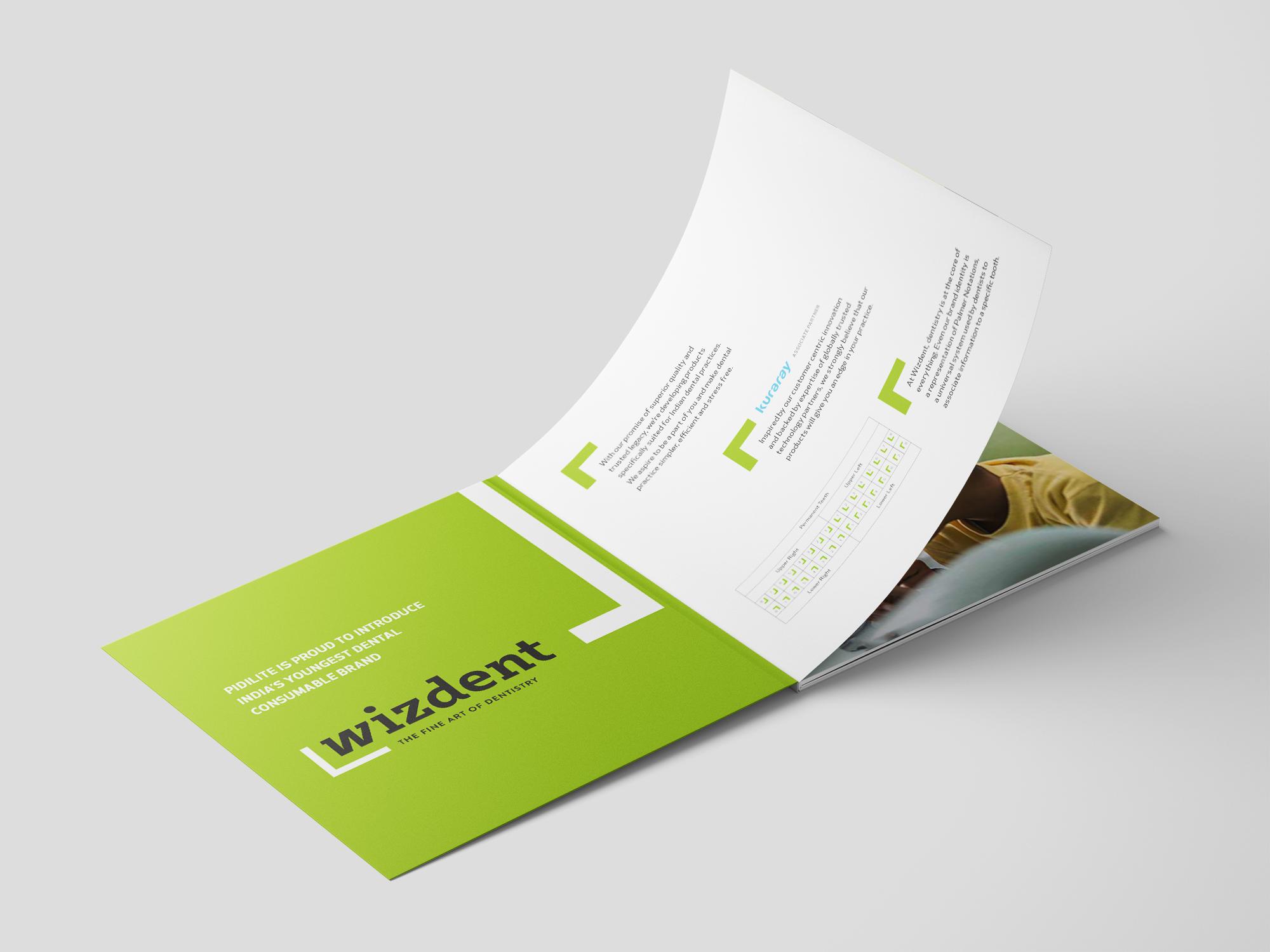 Square_Brochure_Mockup_OK_5